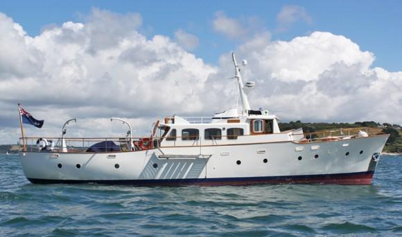Classic Yacht Charter, Caramba