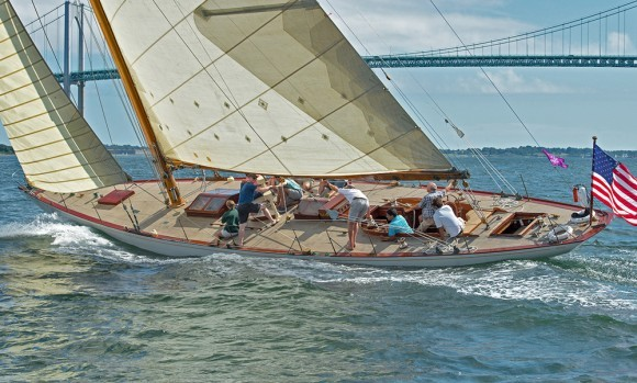 Classic Yacht Charter, Gleam