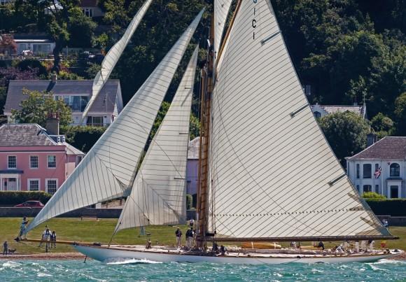 Classic Yacht Charter, Mariquita