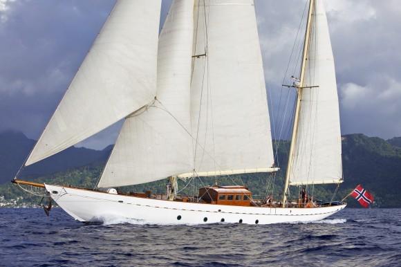 Classic Yacht Charter, Sincerity