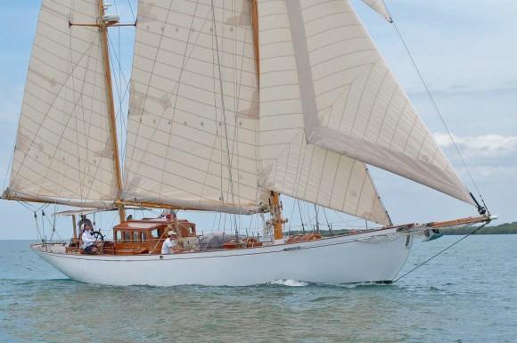 Classic Yacht Charter, Hurrica V